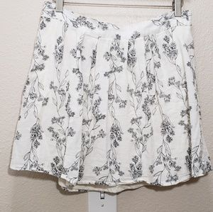 Womans old navy skirt